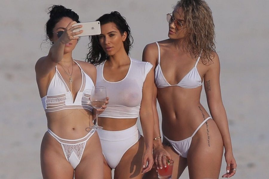 "EXCLUSIVE: **STRICTLY NO WEB UNTIL 6PM EST SAT AUGUST 20TH 2015, PREMIUM EXCLUSIVE RATES APPLY** Kim Kardashian has fun on the beach with her girlfriends and takes part in a personal photo shoot while on vacation at Casa Aramara, Punta Mita, Mexico **MANDATORY MENTION OF ""CASA ARAMARA, PUNTA MITA MEXICO** Ref: SPL1337832 190816 EXCLUSIVE Picture by: Splash News Splash News and Pictures Los Angeles:310-821-2666 New York: 212-619-2666 London: 870-934-2666 photodesk@splashnews.com"