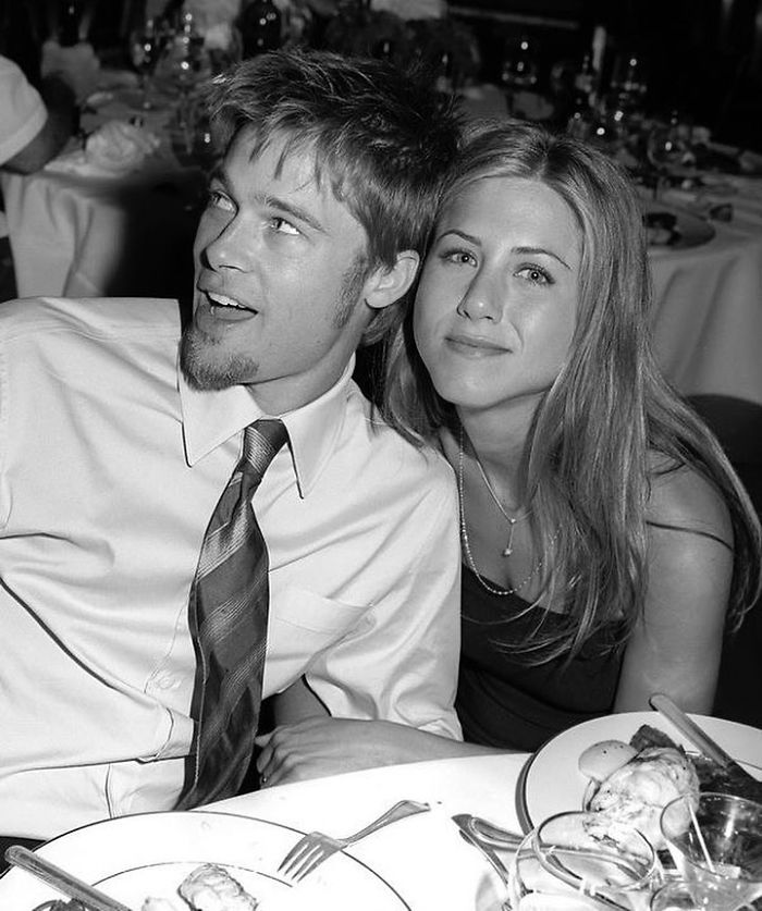 Jennifer Aniston & Brad Pitt en la boda de Courtney Cox, 1999